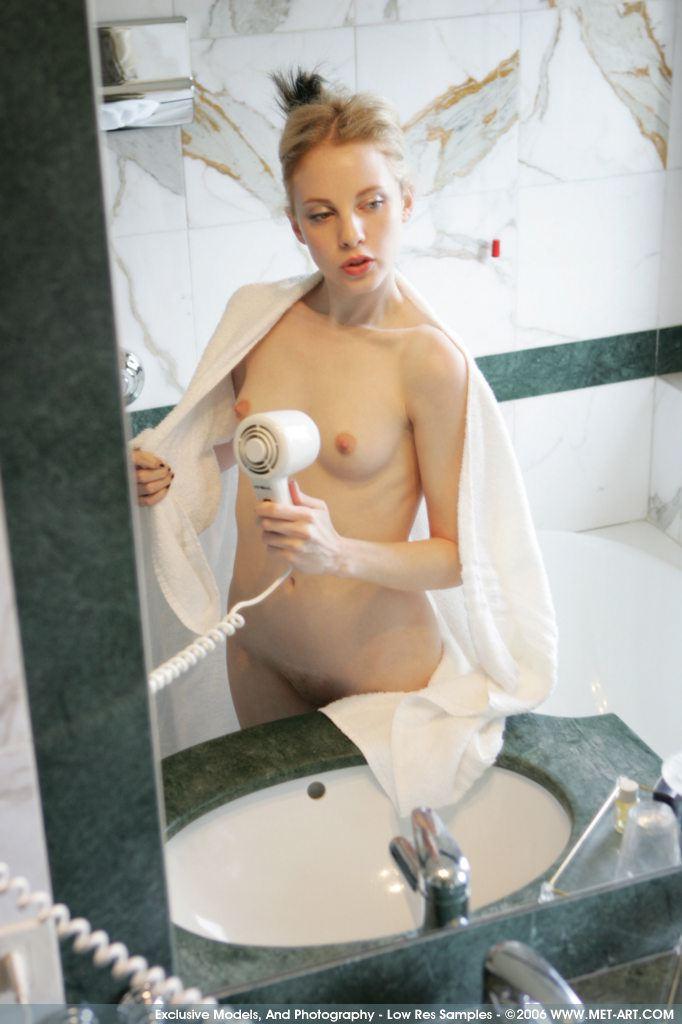 girls with albinisn naked photos